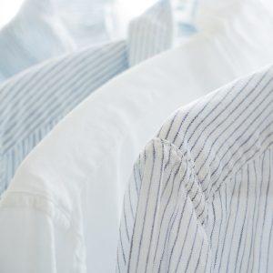 ropa blanca camisas